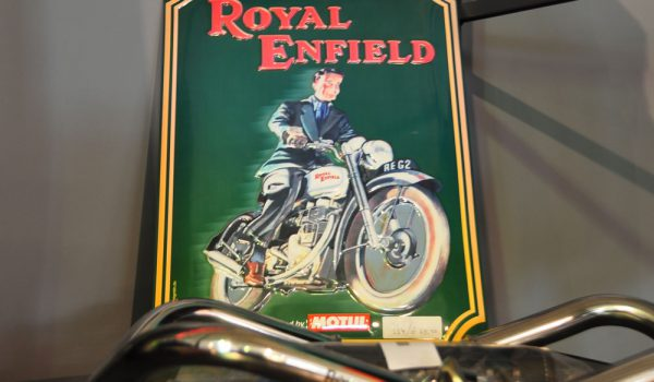 Merchandise_RoyalEnfield_aG_02